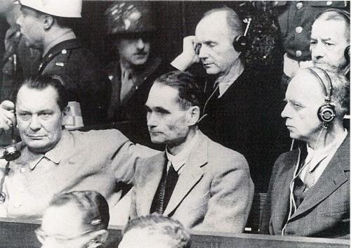 criminali-nazisti-a-Norimberga.jpg